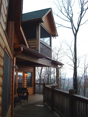 """High Five"" cabin porch"